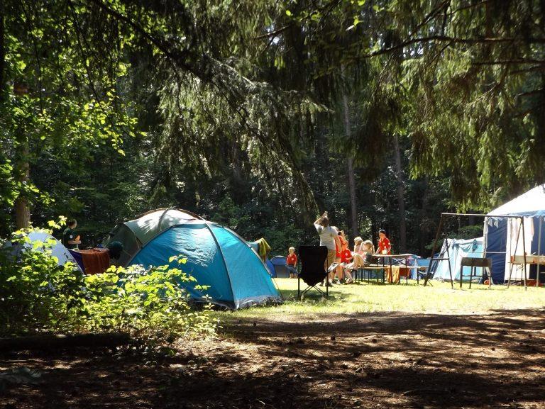 camp-1163419_1920